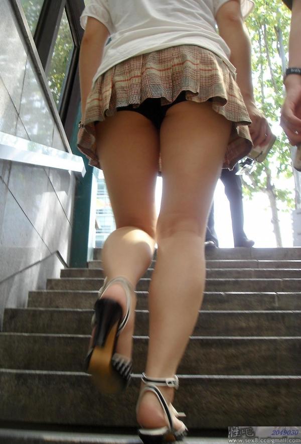 階段パンチラ画像&エスカレーターパンチラ画像-54