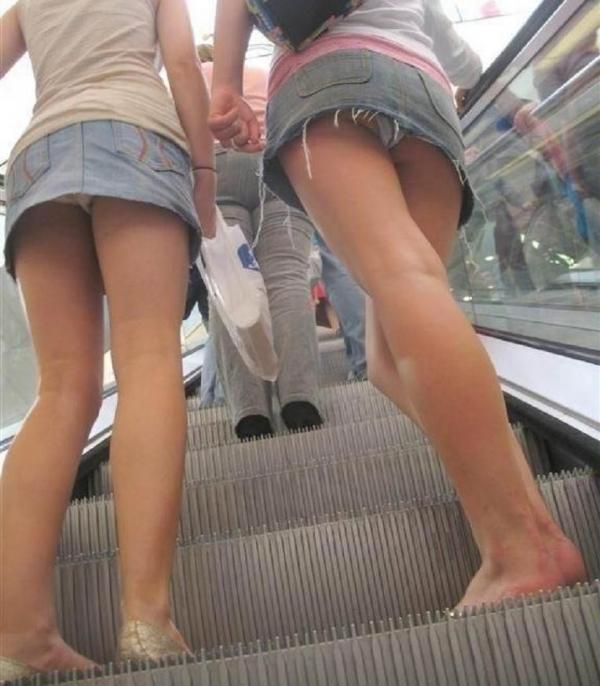 階段パンチラ画像&エスカレーターパンチラ画像-97