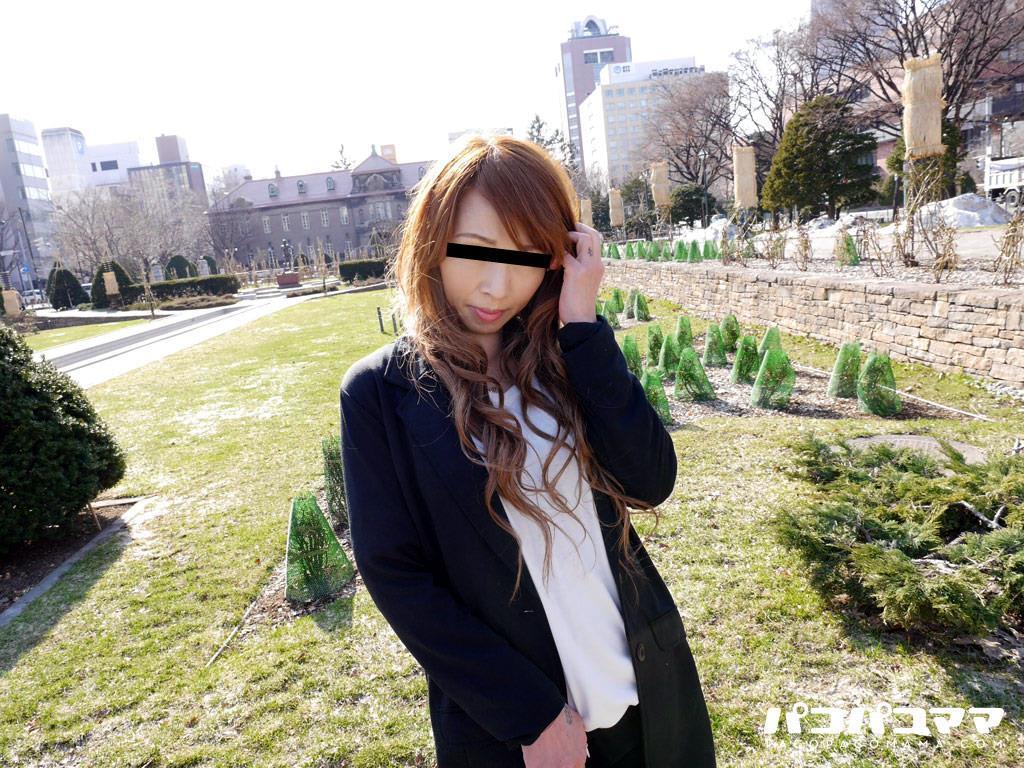 四十路淫乱人妻の無修正熟女画像-1