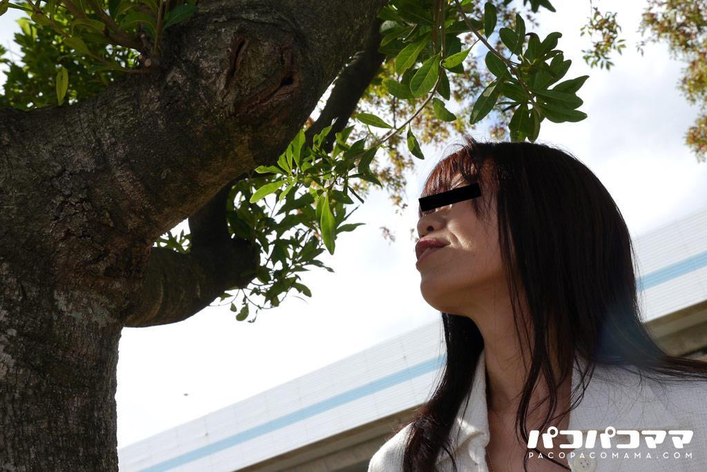 四十路淫乱人妻の無修正熟女画像-39