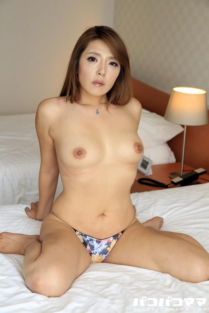 四十路淫乱人妻の無修正熟女画像-51