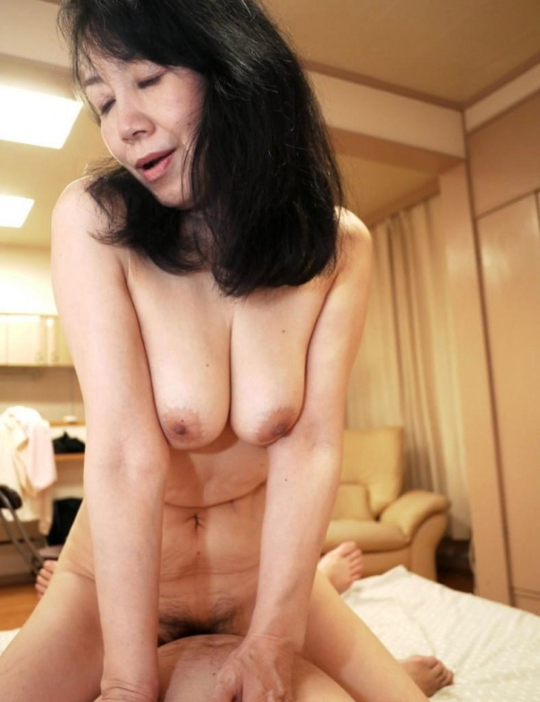 熟女のセックス画像 10