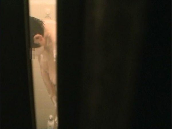 住宅街の風呂盗撮画像-15