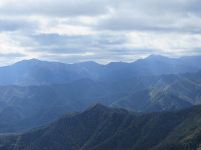 剣山山頂より日高山脈
