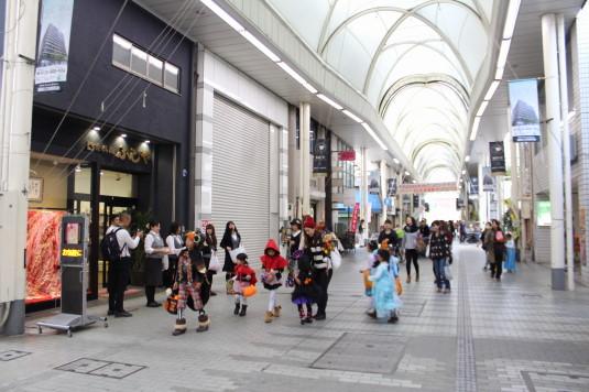 甲府ハロウィン 仮装パレード 商店街