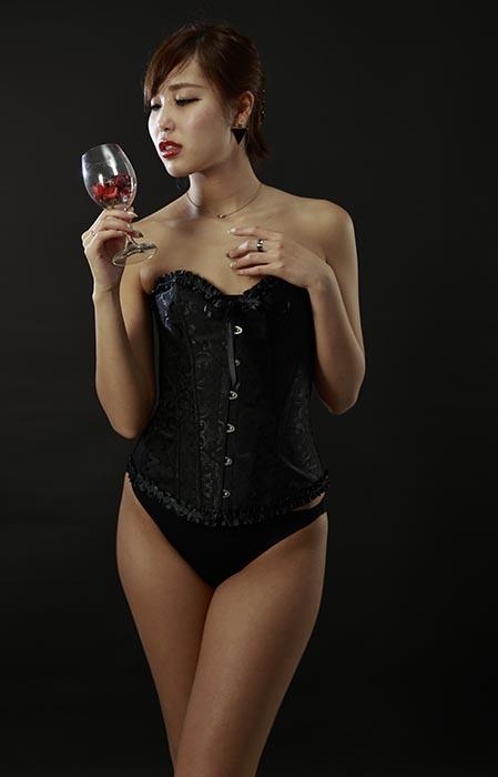 飛奈:ワイングラス