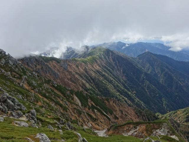 10月17日 縦走して越百山へ