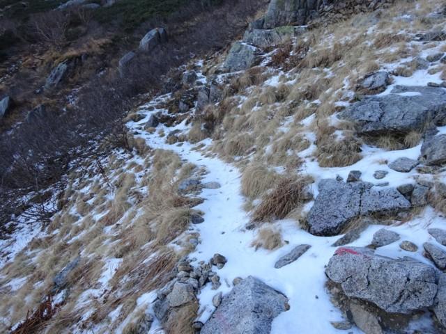 10月24日 7合目から上は雪残ってた