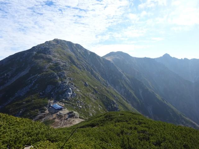 10月24日 右のトンガリが宝剣岳