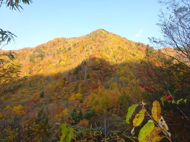 10月24日 紅葉は山麓まで降りてた