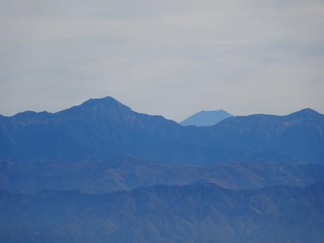 11月1日 聖岳と富士山