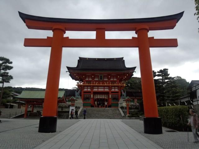 11月19日 大鳥居と重文「桜門」
