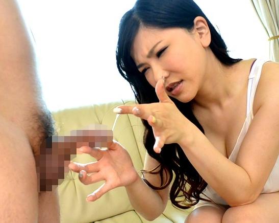 爆乳痴女がM男をガースト足コキで責め手コキで潮吹き射精の脚フェチDVD画像1