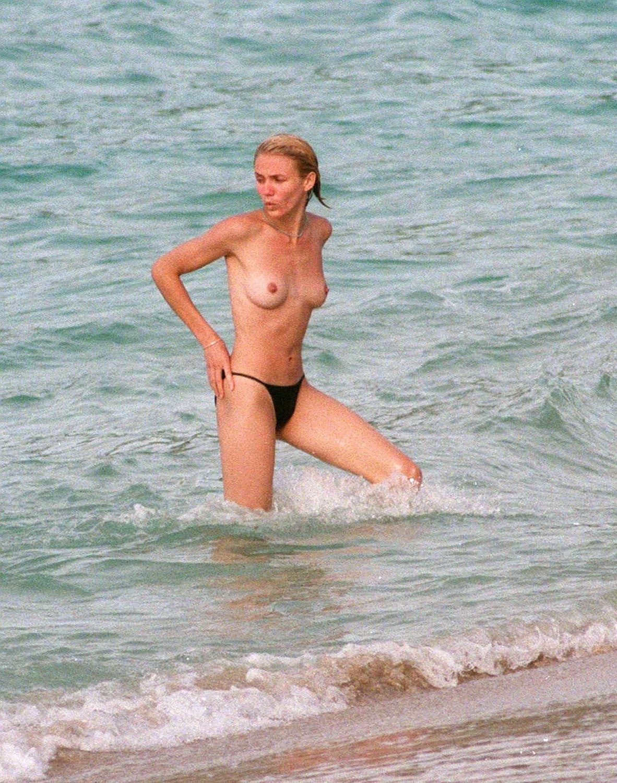 Фото топлесс знаменитостей игры секс