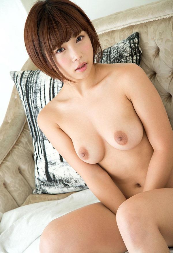 紗倉まな ヌード6