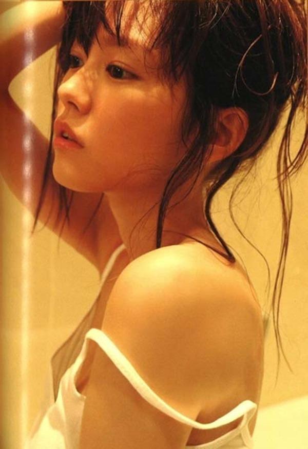 桐谷美玲のセミヌード乳首見え画像19