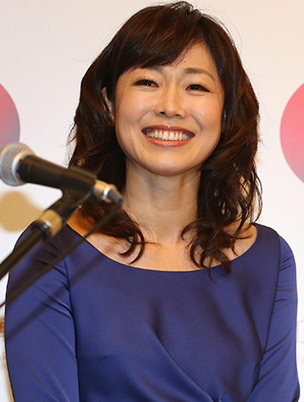 魅惑の熟女アナ有働由美子のセクシーショットエロ画像19