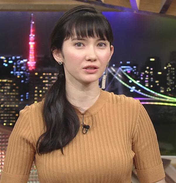 市川紗椰の着衣巨乳エロ画像20