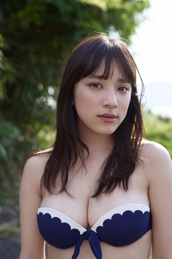 スマホゲーCM都丸紗也華の水着おっぱい画像3
