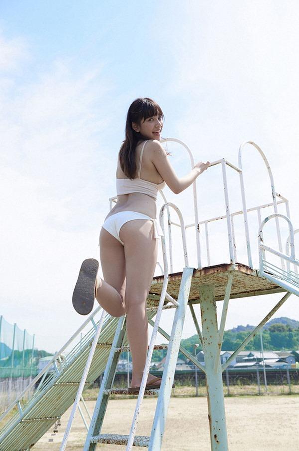 スマホゲーCM都丸紗也華の水着おっぱい画像5