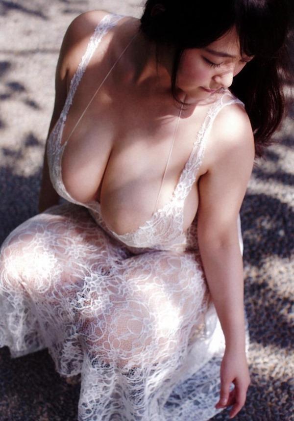 Iカップ爆乳を持つグラドル・柳瀬早紀13