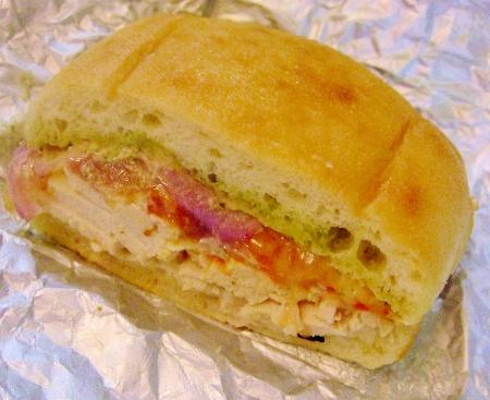 コストコ チキン&プロボロンサンドイッチ