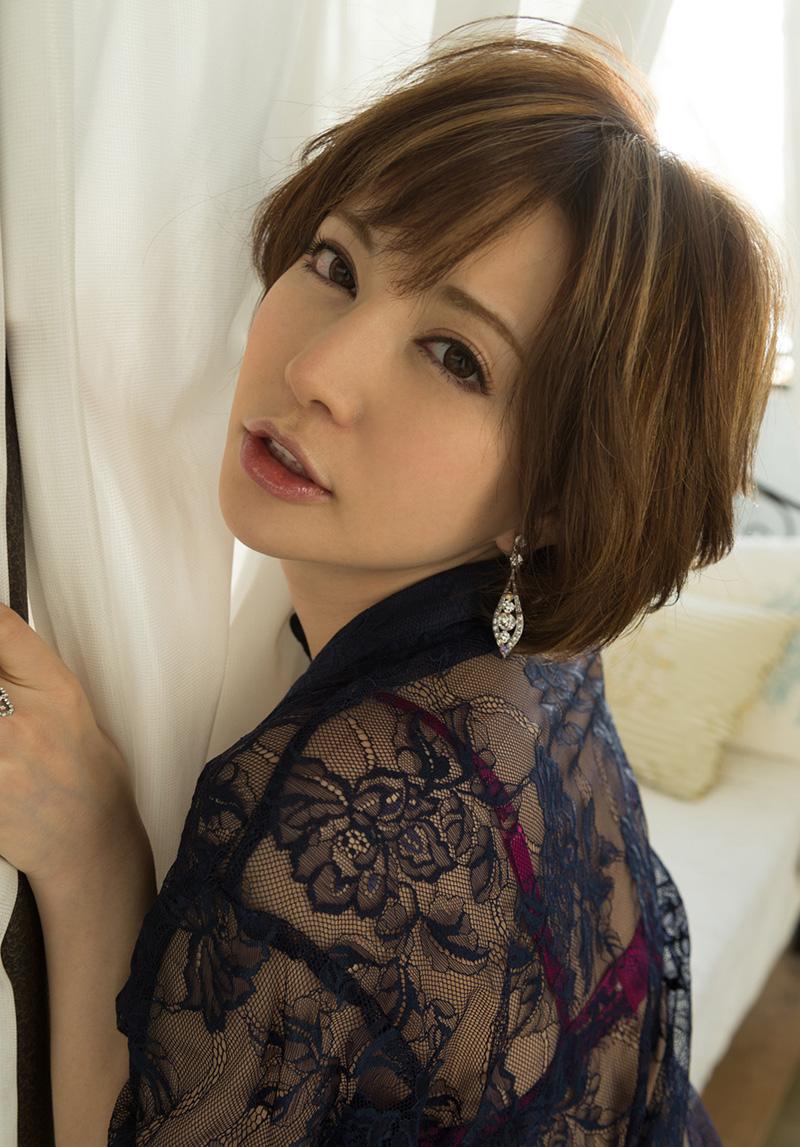 【No.30502】 綺麗なお姉さん / 里美ゆりあ
