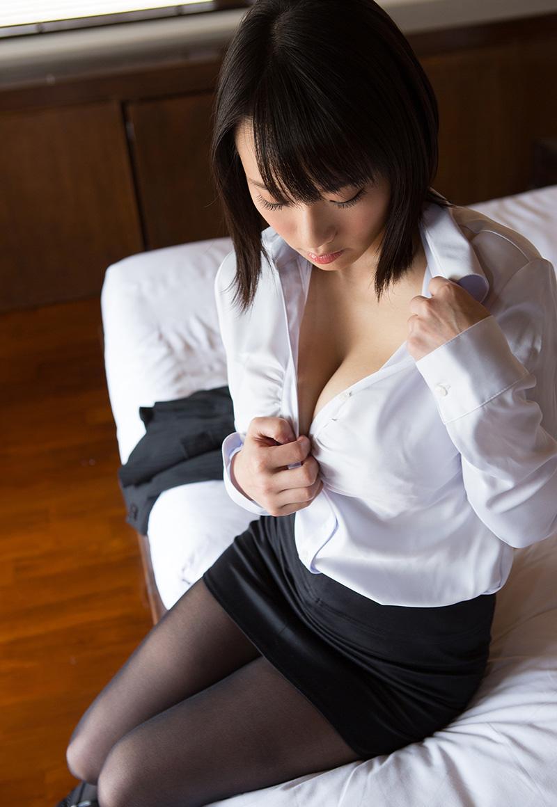 【No.30972】 谷間 / 澁谷果歩