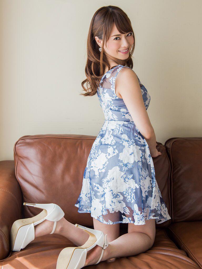 【No.31635】 見返り美人 / 吉沢明歩
