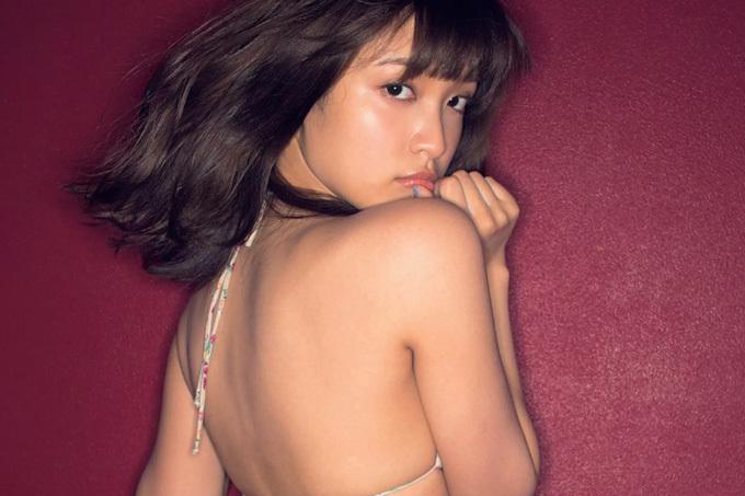 松本愛 色っぽさと無邪気が同居する…セクシーグラビア