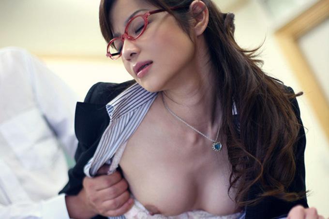 あいみ 美人女教師のエロ過ぎる誘惑と濃密セックス