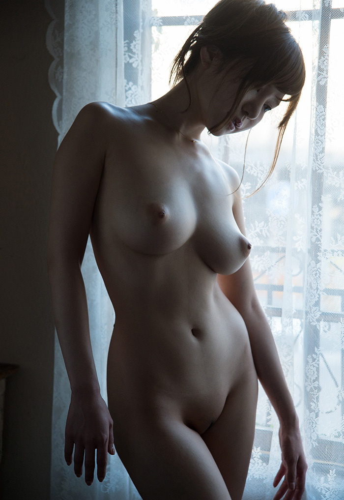 teardrop shaped tits