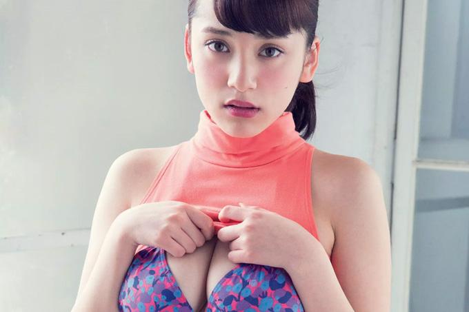 都丸紗也華 アイドルから女優へ。決意のグラビア