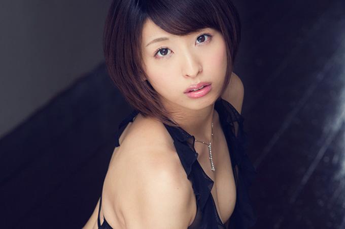 秋山祥子 ぷっくり唇の綺麗でえっちなお姉さん 画像200枚