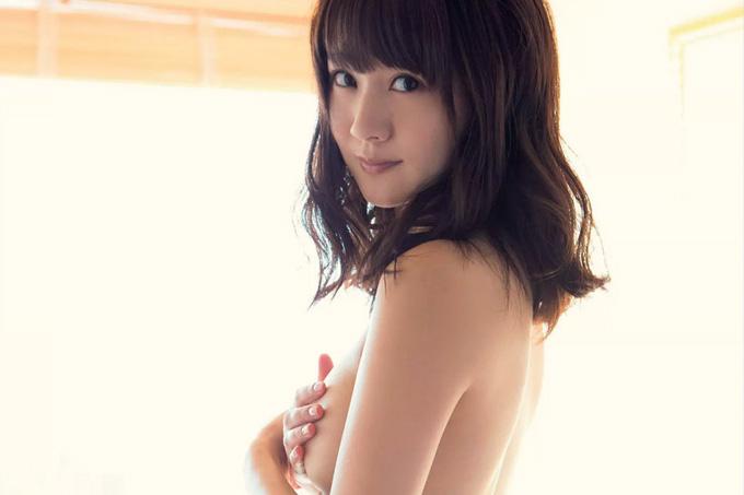 浜田翔子 熟したカラダをあますところなく…蜜尻も丸出し!