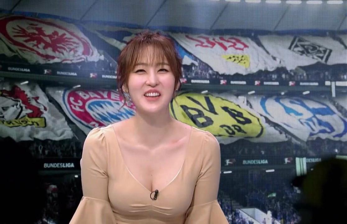 サッカー番組の女キャスター3