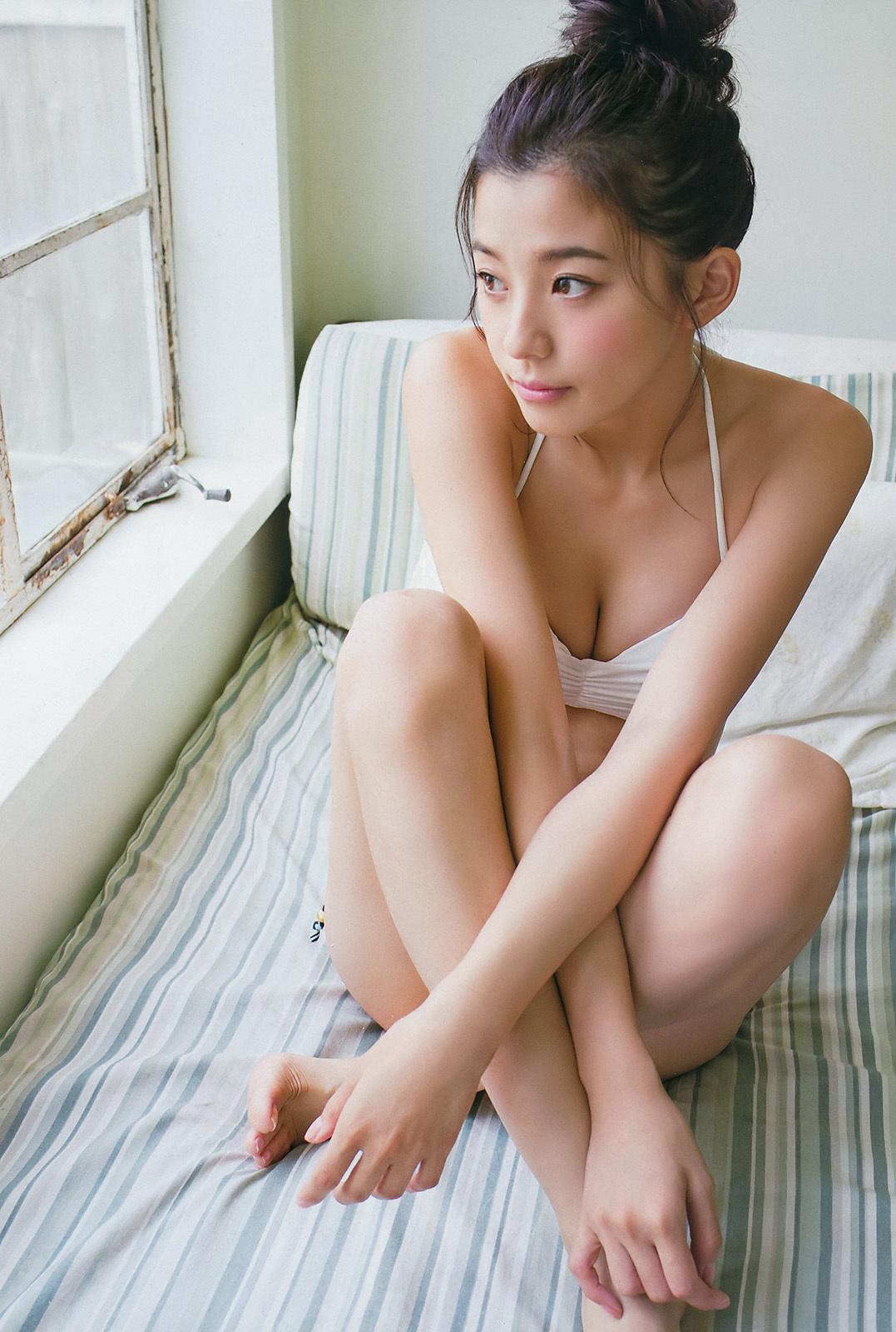 朝比奈彩グラビア6