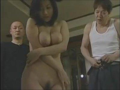 【北原夏美】妻が数人の男に犯され喘ぎ悶える姿に興奮する変態夫
