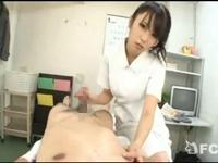 入院してるM男患者を洗ってると暴発射精!逆ギレしたドS痴女ナースが3連続射精を強要! 有村千佳