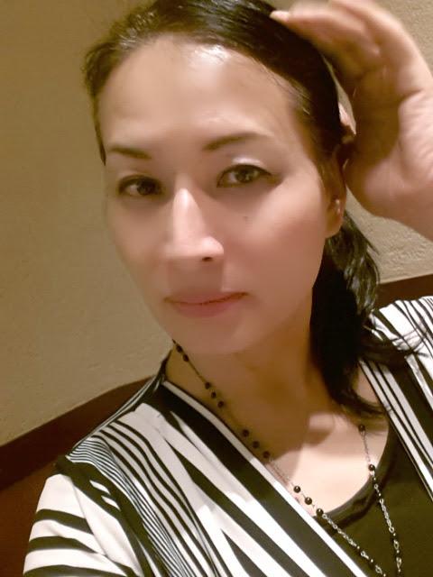 熟女NHヘルス孃マダム舞の袖振り合うも他生の縁 涙溢れる