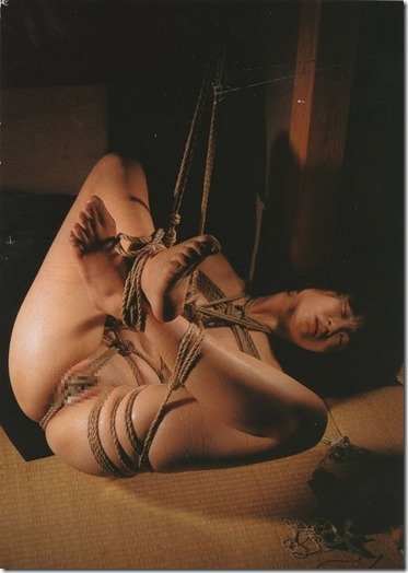 【緊縛股縄画像40枚】おまえの股に食い込む縄になりたい!40