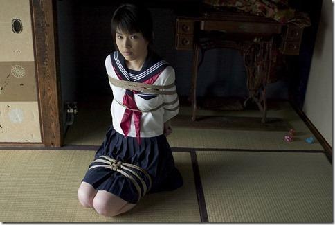 昭和浪漫風;母に内緒で調教された制服娘のSMエロ動画像16