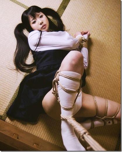 昭和浪漫風;母に内緒で調教された制服娘のSMエロ動画像31