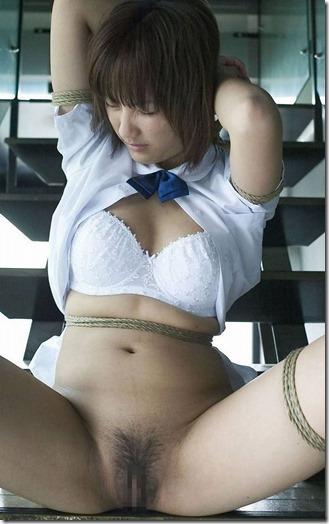 昭和浪漫風;母に内緒で調教された制服娘のSMエロ動画像38