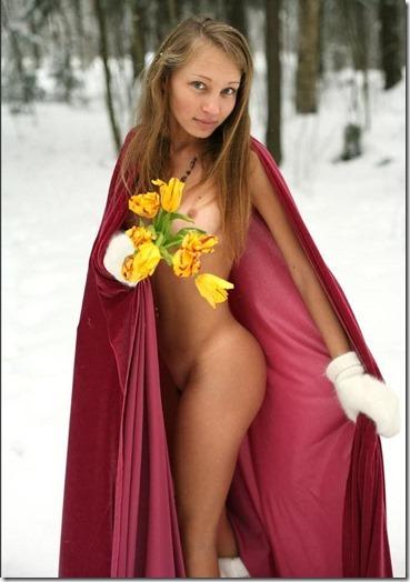 ただの雪原野外露出が雪ン娘に見えてしまう白い肌のエロ美女達10