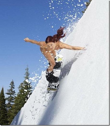 ただの雪原野外露出が雪ン娘に見えてしまう白い肌のエロ美女達26
