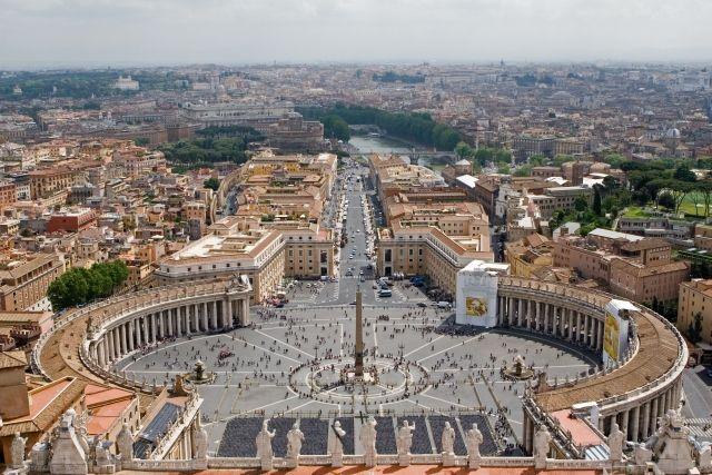 【奇跡】ローマ教皇の「祝福のキス」で脳腫瘍が縮小した!MRIの検査で判明