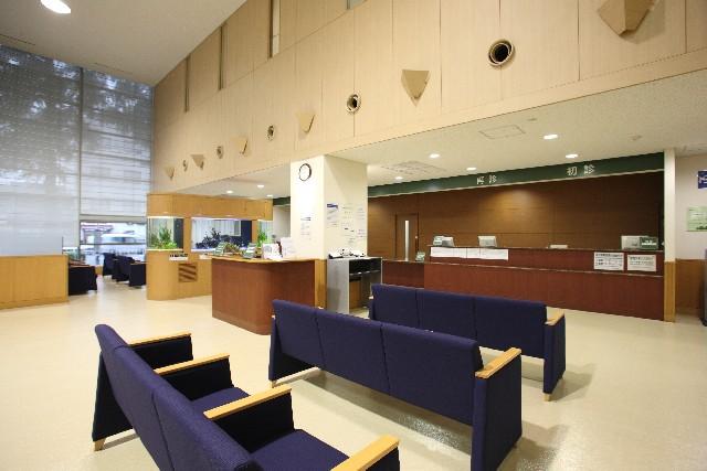 【厚労省】病院の初診料を「一律1万円」にすることを検討