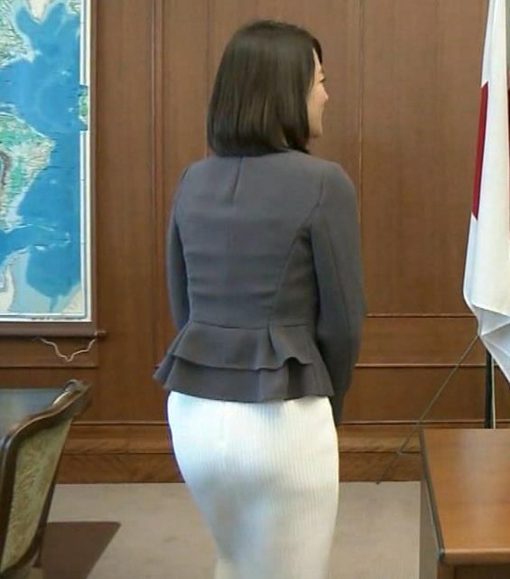 鈴木奈穂子 お尻くっきりスカート!パンツ透け!?キャプ画像(エロ・アイコラ画像)