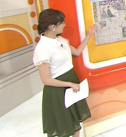 新井恵理那 胸のふくらみがいい感じキャプ画像(エロ・アイコラ画像)